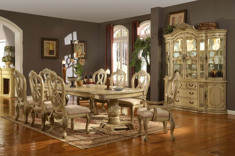 fancy-formal-dining-table